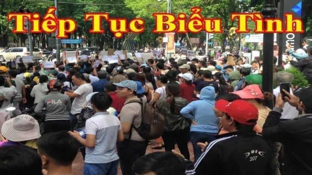 Người dân Quảng Ngãi tiếp tục biểu tình