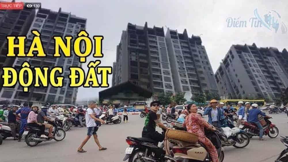 Người dân hiếu kì, nhớn nhác nhìn chung cư tại Hà Nội chao đảo sáng 8.9