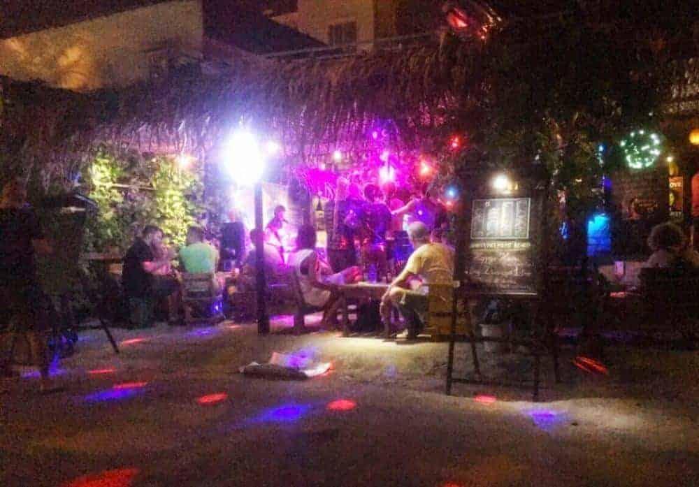 Quán bar Pub Crazy Cort nơi phát hiện 21 du khách dương tính với chất ma túy