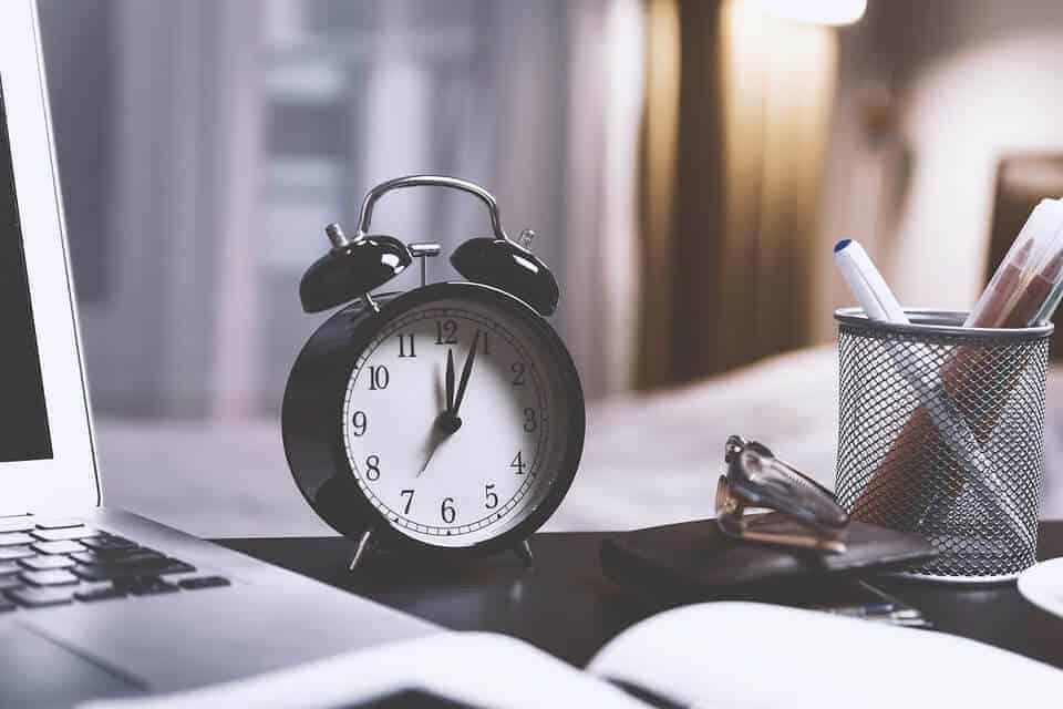 giờ thời gian trong tiếng Anh