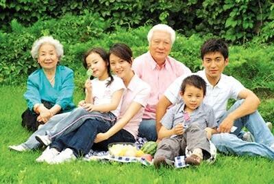 Viết về gia đình Việt Nam