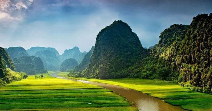 Phân tích đoạn 1 Đất Nước của Nguyễn Khoa Điềm