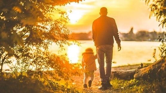 Bài viết tiếng anh miêu tả về cha