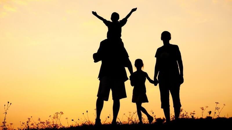 Hướng dẫn viết bài về gia đình bằng tiếng Anh [KÈM MẪU + DỊCH]