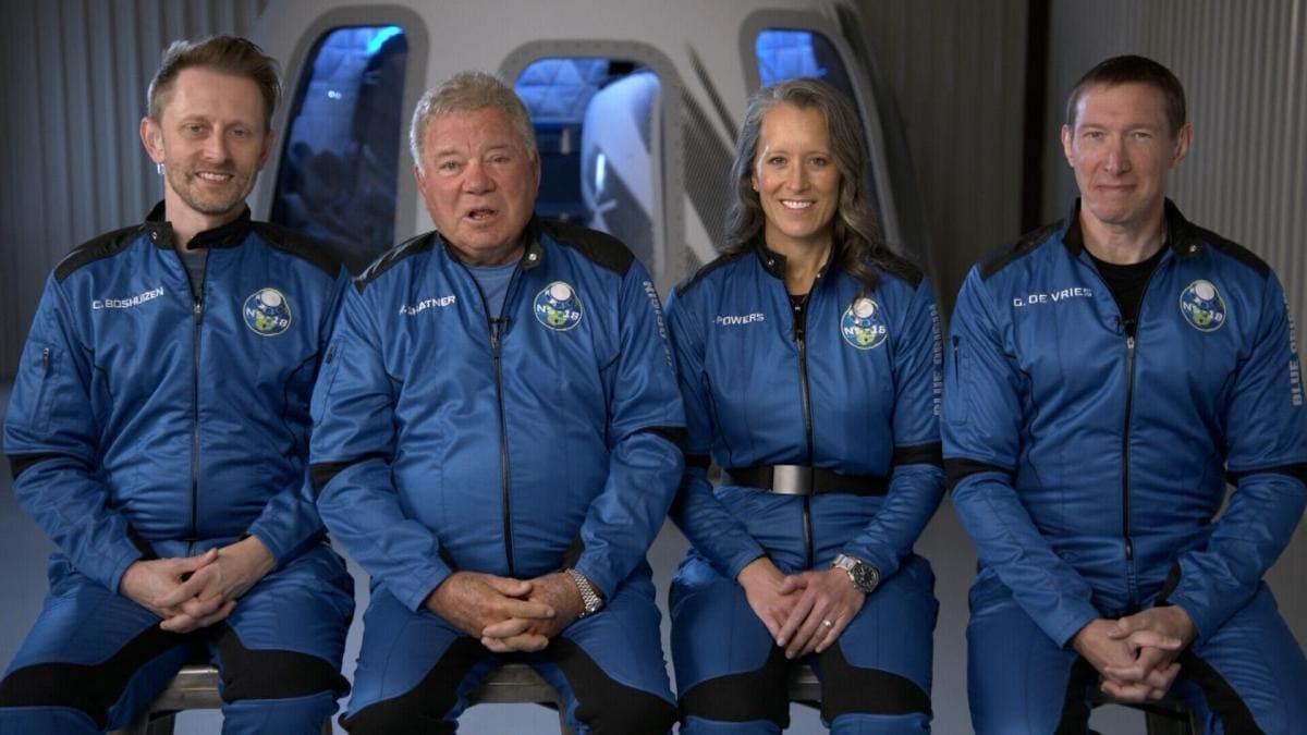 William Shatner trở thành người lớn tuổi nhất bay vào vũ trụ